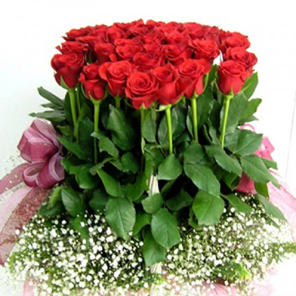Send Love Bunch LR Flower Gifts to Dubai with Flowers Dubai- Holland ...
